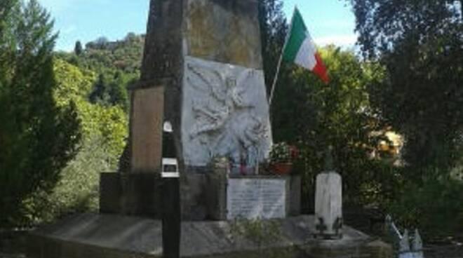 monumento_ai_caduti_di_vorno.jpg