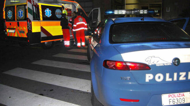 ambulanza-polizia-notte-2.jpg