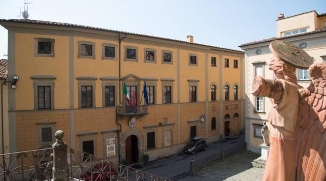 Palazzo_Comunale_Puccioni.jpg