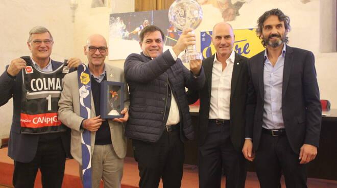 Foto_Coppa_del_Mondo_a_Pietrasanta_con_Sindaco_Giovannetti.JPG