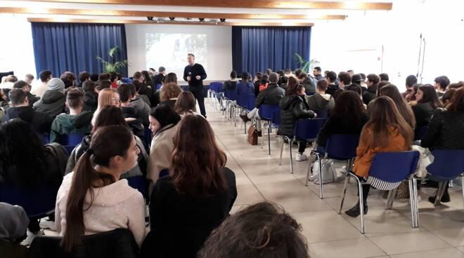Istituto_Checchi_mafia.jpg