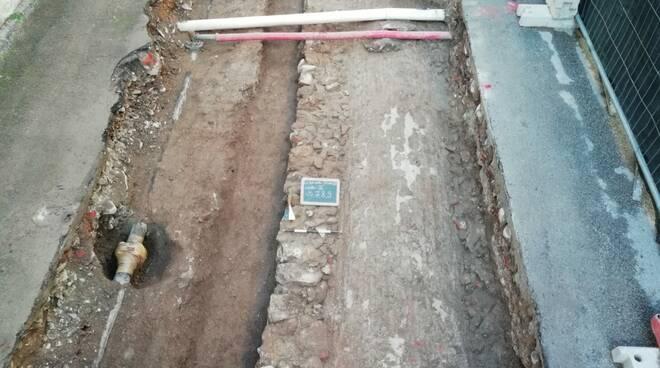 scavo_archeologico_via_Stufa.jpg