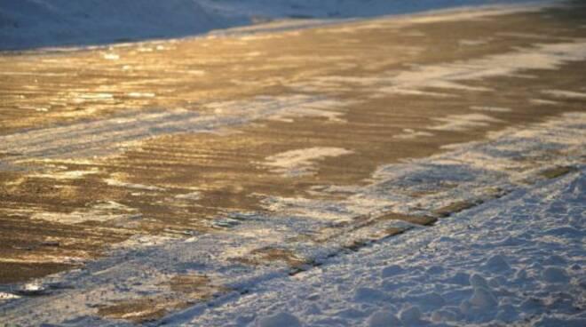 ghiacciostrada.jpg