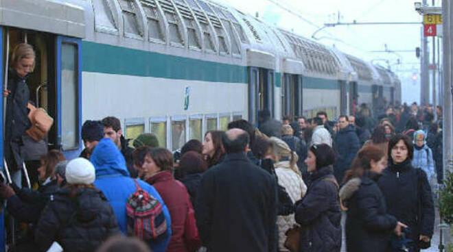 treno-pendolari.jpg