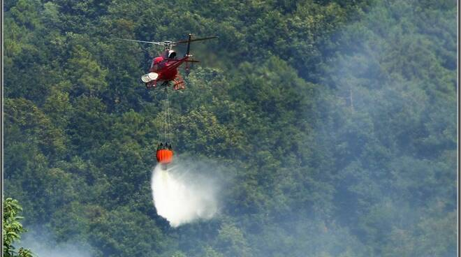 elicotteroincendio.jpg