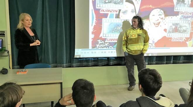 incontri_nelle_scuole_per_il_progetto_Carnevale_e_Cinema_1.jpg