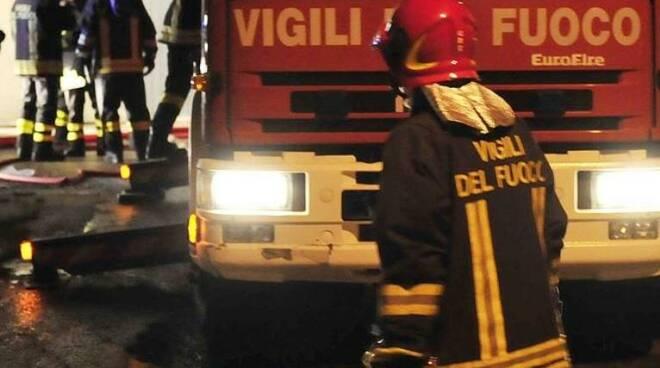vigili-del-fuoco-nottestra.jpg