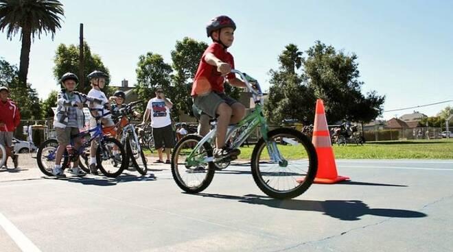 bicicletta_a_scuola_1.jpg