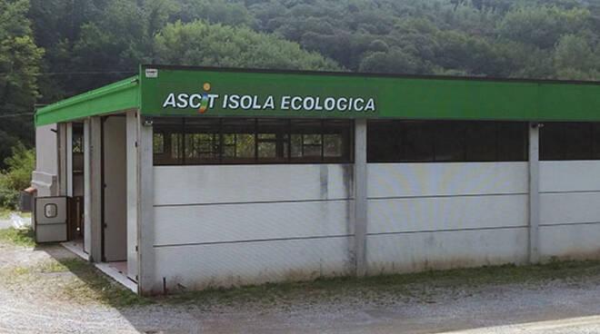 Isola_ecologica_di_Piegaio.jpg