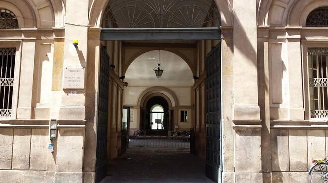 Tribunale-Lucca-1.jpg