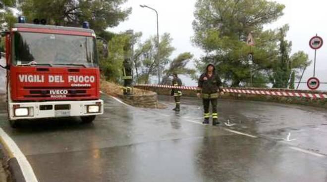 vigili-del-fuoco-maltempo.jpg