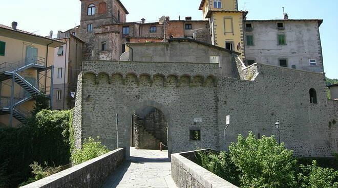 Porta_di_Castruccio.JPG