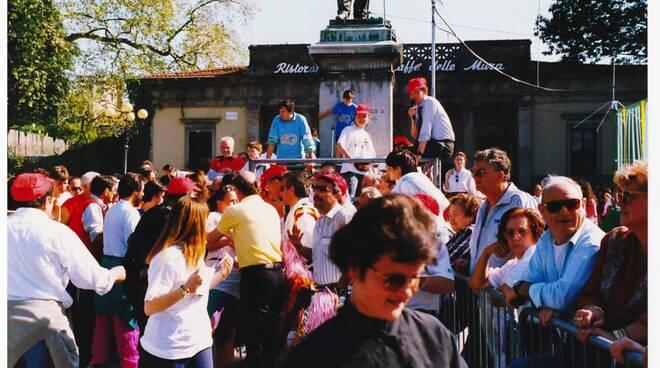 girotondo_1994_1.jpg