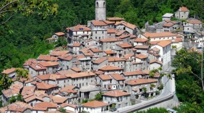 Minucciano-panorama_2013.jpg