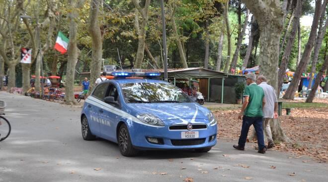 poliziapineta.jpg
