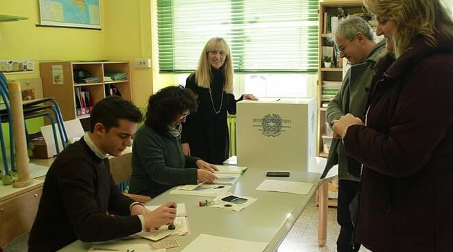 seggio_generica_operazioni_di_voto.jpg