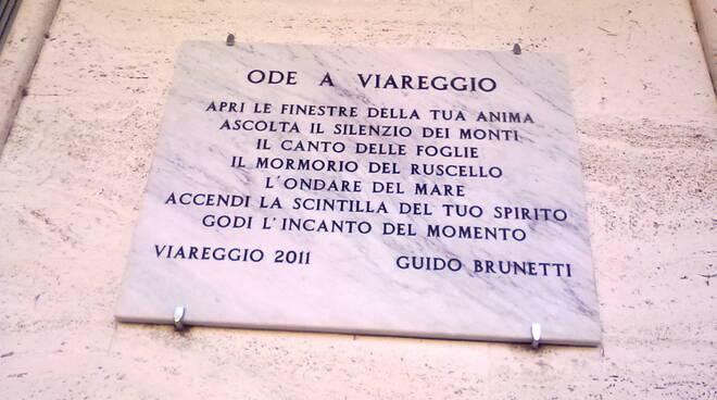 Viareggio_Targa-1.jpg