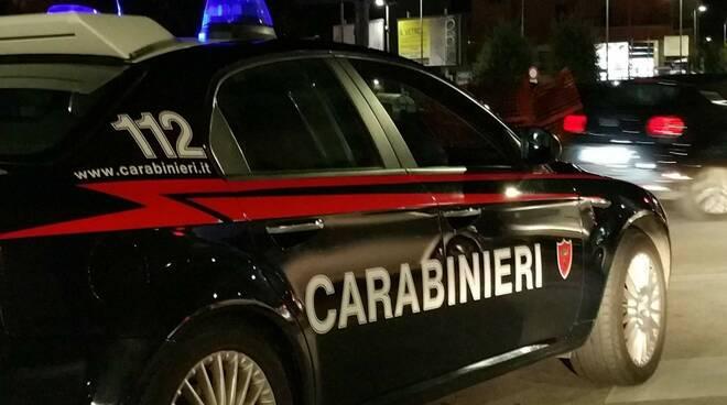 carabinieri_notte_auto_bella.jpg