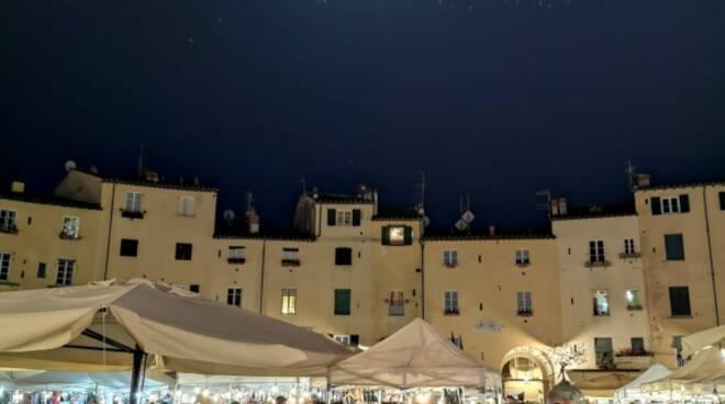 piazza_anfiteatro.jpg