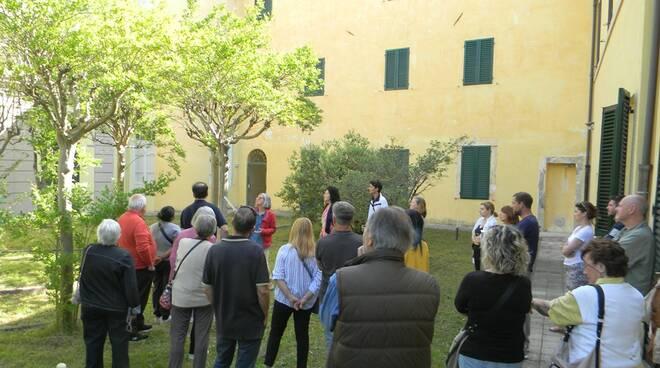 Visitatori_allex_Ospedale_psichiatrico_di_Maggiano.jpg
