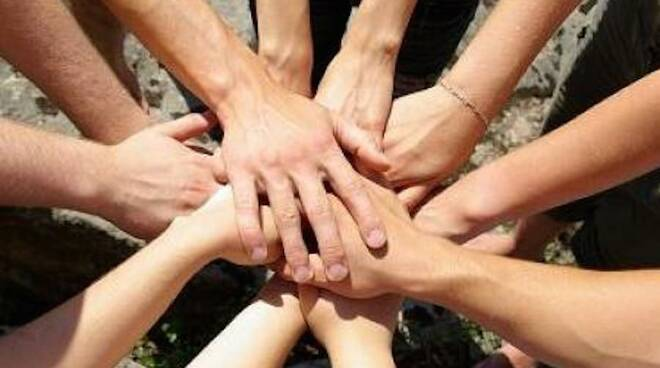 volontariato_-_sociale_-_mani_2.jpg