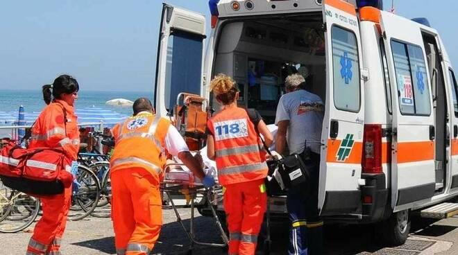 ambulanzaspiaggia.jpg