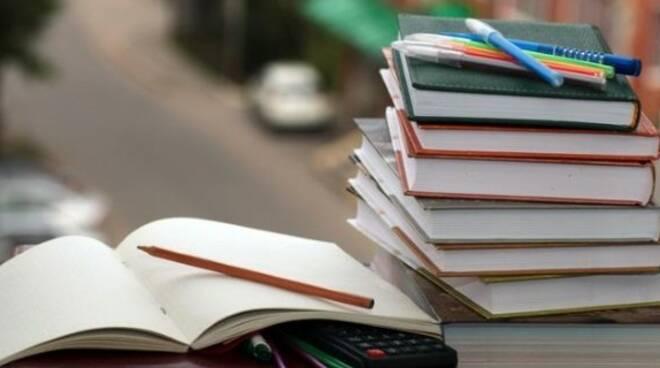libri_scuola.jpg