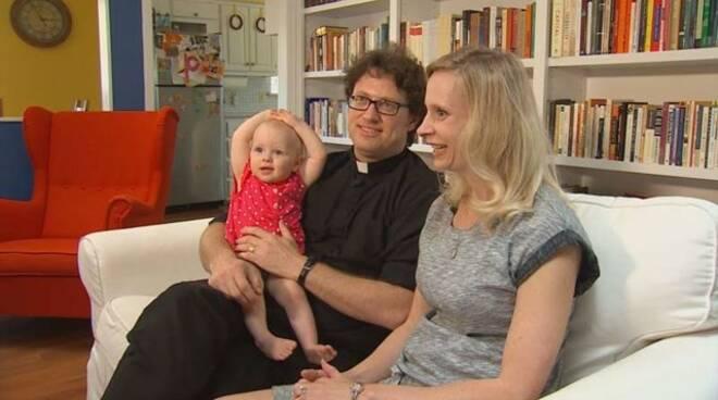 prete-sposato-1-977848-1.jpg