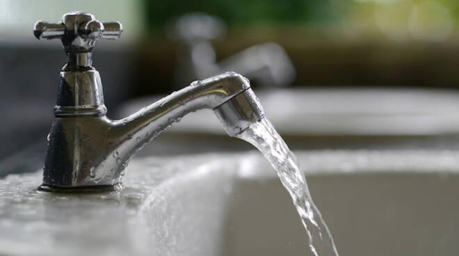 acqua-rubinetto.jpg
