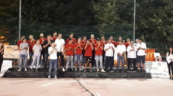 I_dirigenti_e_la_squadra_di_Promozione_della_Polisportiva_Capannori.jpg