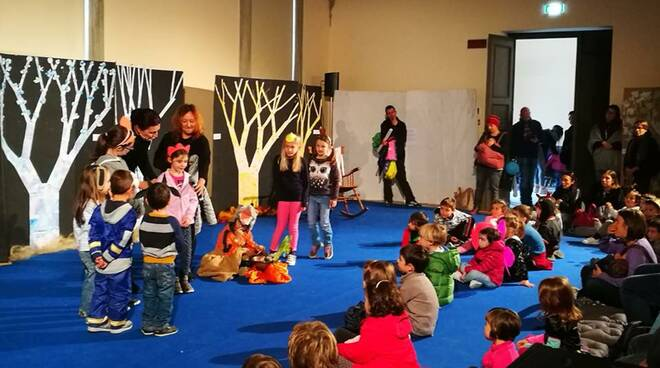 teatro_e_attivita_con_bimbi3-1.jpg