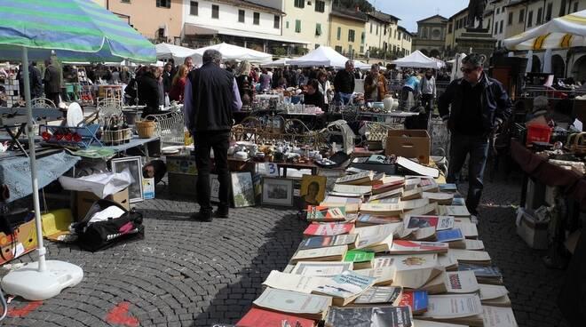 mercato_ambulante_greve_in_chianti.jpg