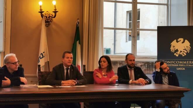 Conferenzaa_stampa_vetrina_delel_vetrine.jpg