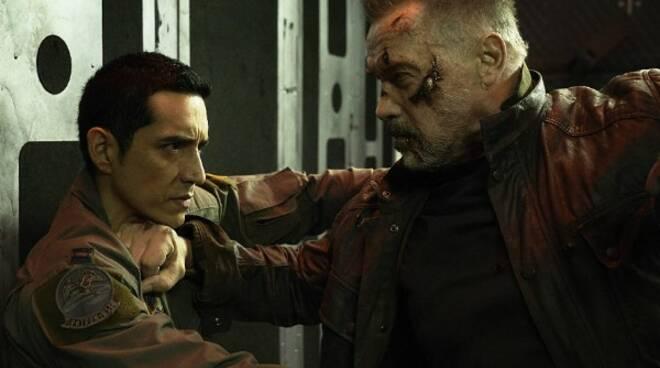 terminator-dark-fate-gabriel-luna-arnold-schwarzenegger-fight.jpg