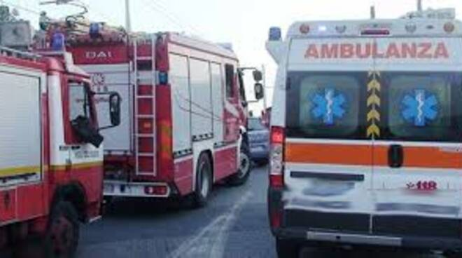 ambulanze e vigili del fuoco