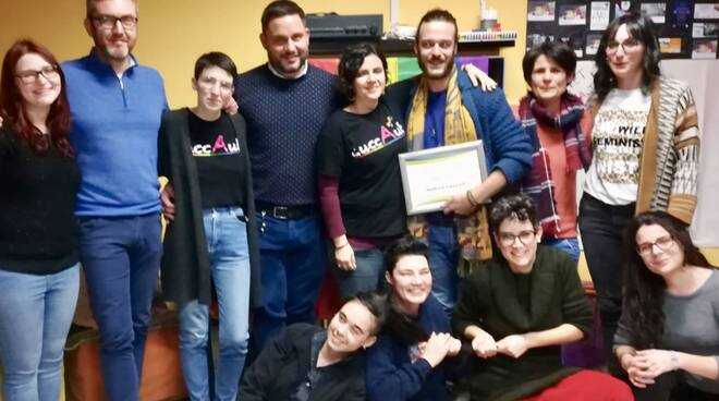 Andrea Lazzari premiato da LuccAut per Nutriamo le differenze