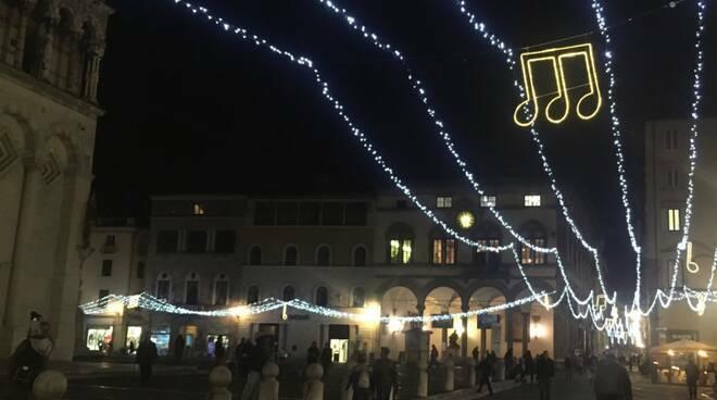 Illuminazione natalizia a Lucca
