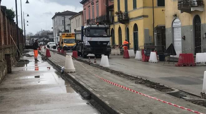 Lavori pista ciclabile via Nottolini