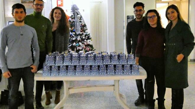 Leo Club Pisa Certosa porta regali Natale alla Stella Maris di San Miniato