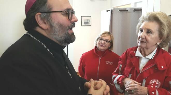 Monsignor Giulietti Enzo Fasano visita Croce Rossa