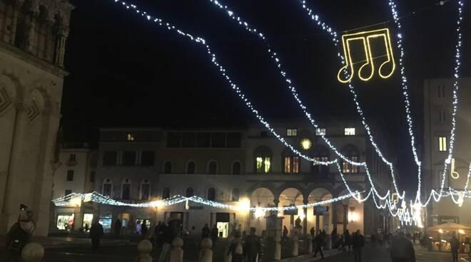 natale lucca luci centro storico san michele