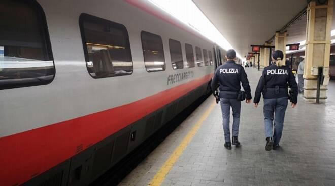 polizia ferroviaria stazione pisa