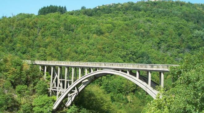 ponte Vergai Tambura Villa Collemandina Vagli