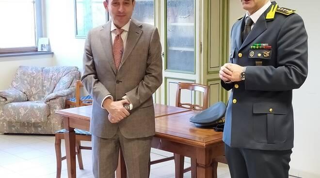 Prefetto in visita alle forze dell'ordine