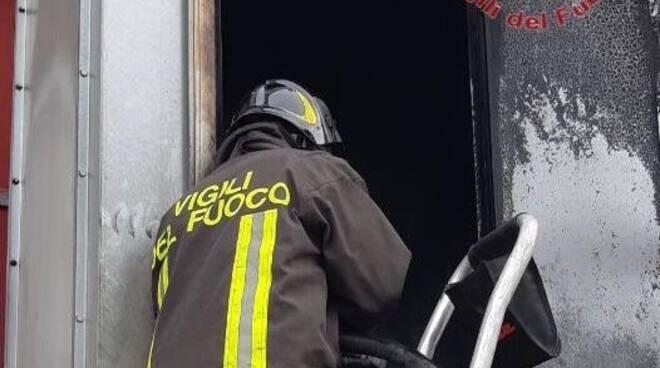 vigili del fuoco incendio san miniato ponte a egola