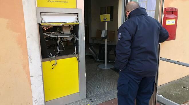 Bancomat fatto esplodere alle Poste di Pontetetto