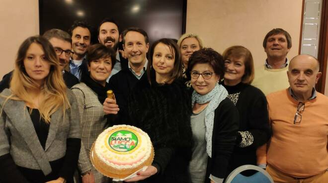 direttivo Siamo Lucca lista civica compleanno torta
