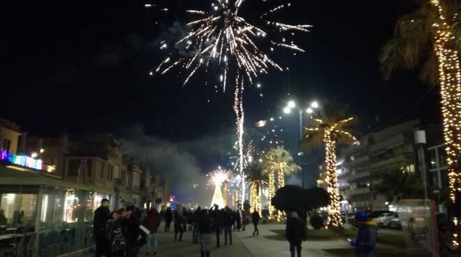 Fuochi d'artificio Viareggio Capodanno 2020