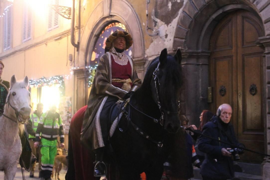 I Re Magi a cavalli in centro a Lucca