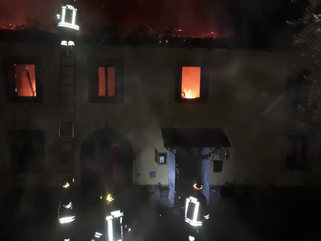 L'incendio nella notte